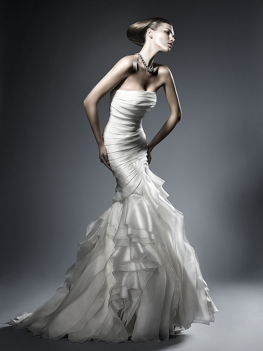wedding dress by Toni Mateu